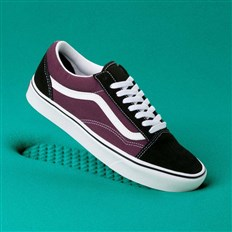 boty VANS - Comfycush Old Skool (Sport)Blk/Prune/True Wht (V9W)