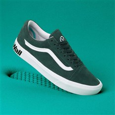 boty VANS - Comfycush Old Skool (Distort)Trking Gr/Tr Wht (VWX)